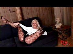 Lengthy lady hottie in hose