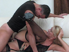 Dolled-up mama makes her cookie ready for a rock-hard shaft of a hung guy