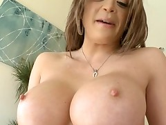 Horny chick with good pointer sisters likes to be double permeated