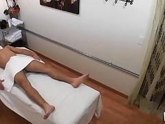 Dude actually likes the way massage receives mixed with fuck
