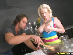 Breasty blonde Alyssa cooks up smth perverted