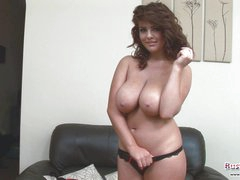 Nice-looking Sweetheart Roxy Plays With Hooters