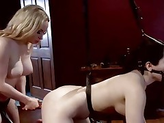 Domina Aiden Starr likes toying her partners a-hole
