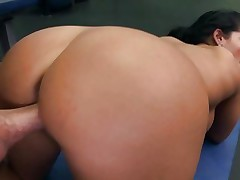 Blistering Bella Reese receives fucked up her vagina