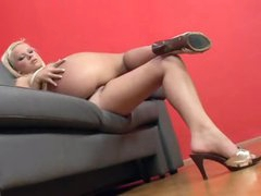 Bald bawdy cleft fingered by the hot blonde in heels