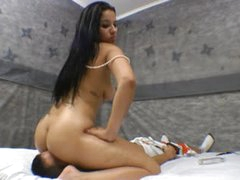Curvy girl sits on his face