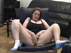 Hawt Milf lets her dusty camera know that this playgirl hasn't lost her edge. This playgirl cleans off the dusty camera in this non-professional web camera movie and widens her legs wide for the camera whilst this playgirl masturbates her big moist pussy.
