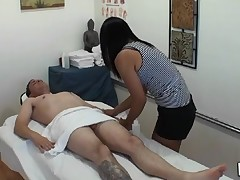 Dude gets double enjoyment from massage and sex