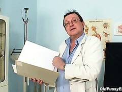 Hirsute bawdy cleft grandma visits pervy woman doctor
