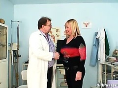 Big tits blond mature curly cookie exam