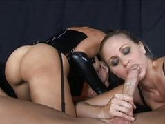 Dark brown and blonde milfs sucking wang and fucking hard