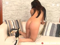 Biggest tits brunette hair bitch eve diamond pleasures herself