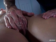 Golden-haired France slut Jessie receives a nice massage and then a deep hard fuck in her ass. The hot doxy relaxes as the chap massages her hairless twat and smoking hot haunches and then she has a great time with his large hard weenie in her ass. Damn this cutie likes it anal