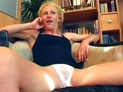 German dilettante shoots porn in her living room - Sascha Production